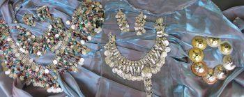 Zimbeln Silber, Gold und Farbmix sowie verschiedene Münzgürtel und Schmuck