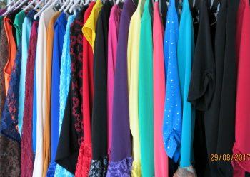 Oberteile in vielen Schnittvarianten, mit raffinierten Ärmellösungen und immer passend zu Hose und Rock!